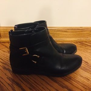 Tommy Hilfiger Black Leather Booties Size 7.5